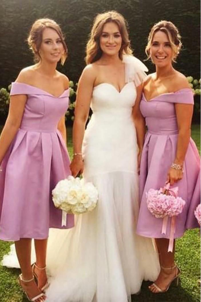 A-Line Off-the-Shoulder Knee Length Bridesmaid Dresses 3010459