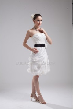 Attractive Handmade Flowers Knee-Length Reception Wedding Dresses 2031480