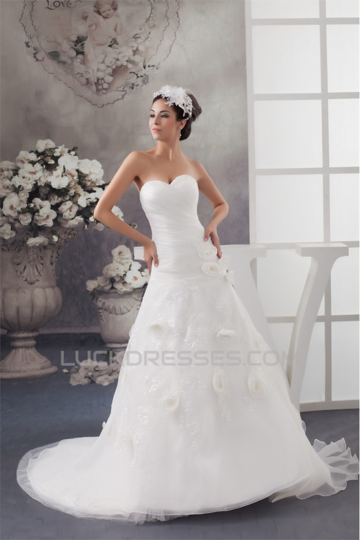 Satin Sleeveless Sweetheart A-Line Lace Wedding Dresses 2030875