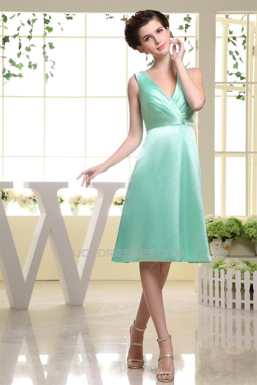 A-Line Short V-Neck Knee-Length Sleeveless Pleats Bridesmaid Dresses ...