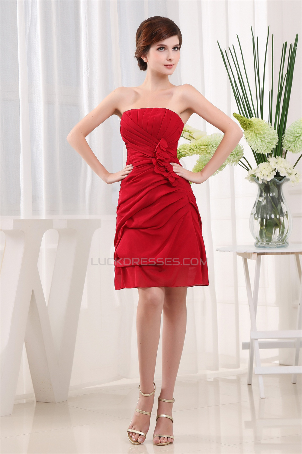 f3633071759 Breathtaking Chiffon Silk like Satin Ruffles Strapless Short Red Bridesmaid  Dresses 02010264