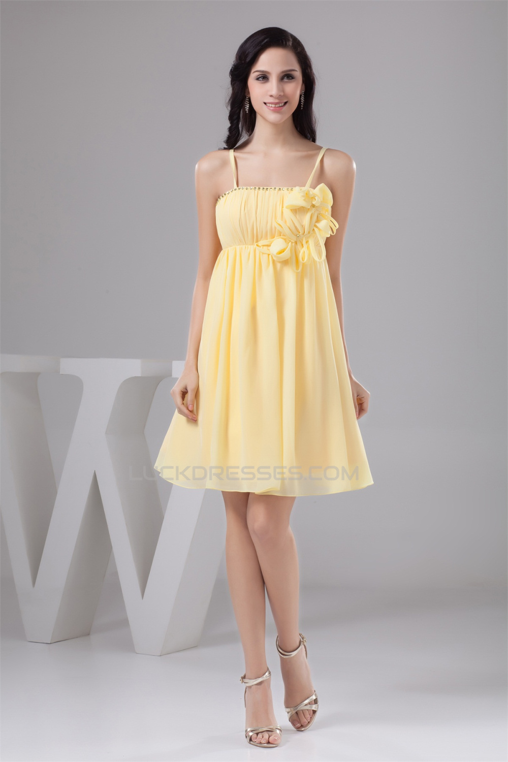 5e9c56f5b43 A-Line Knee-Length Sequins Chiffon Sleeveless Short Yellow Bridesmaid  Dresses Maternity Dresses 02010415
