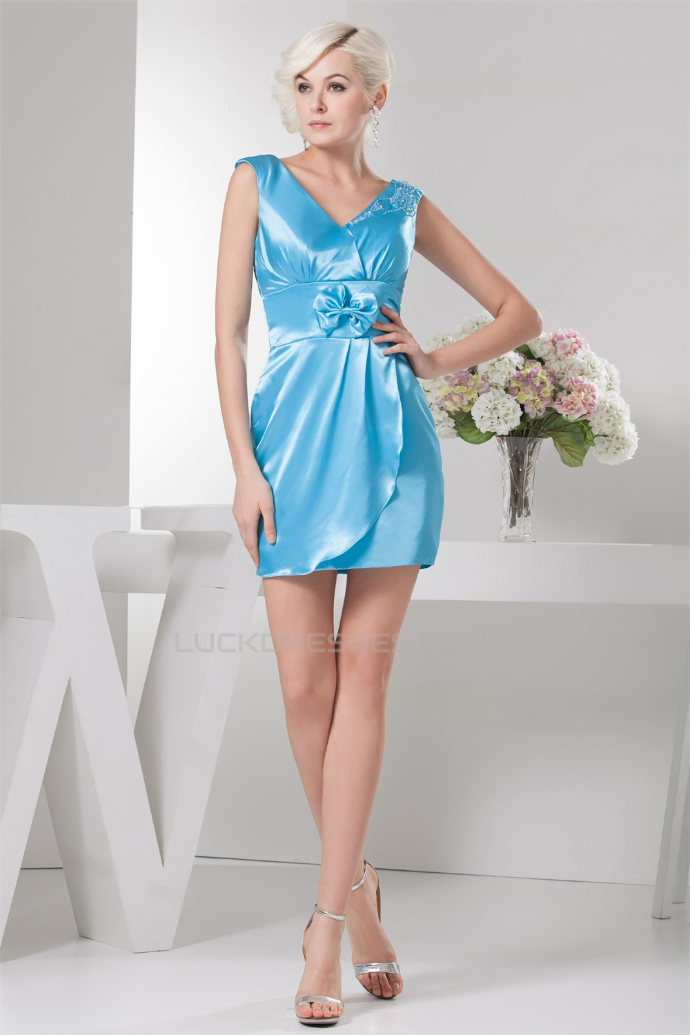 Sleeveless V-Neck Beaded Short Blue Bridesmaid Dresses 02010440