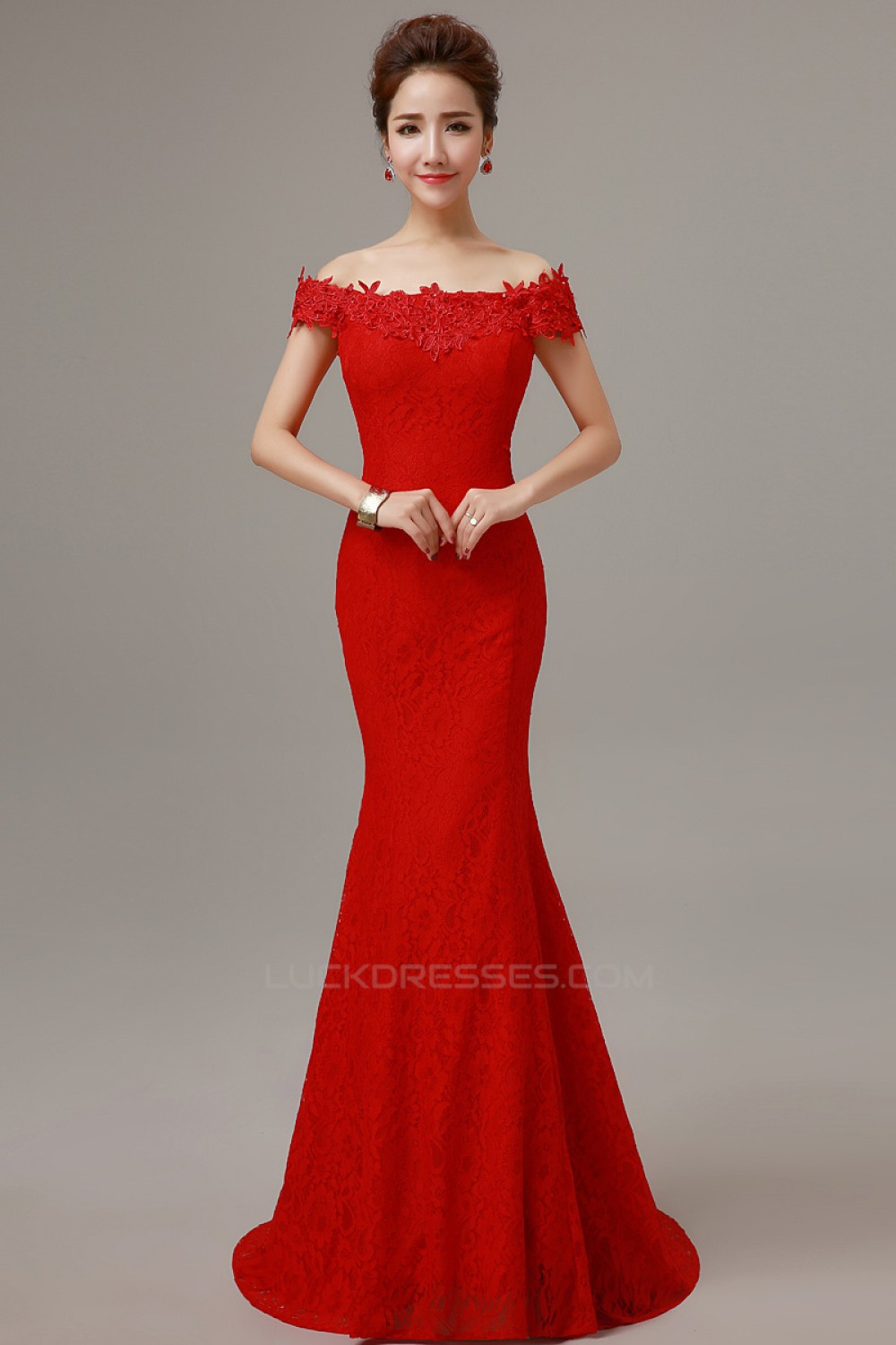 Trumpet/Mermaid Off-the-Shoulder Long Red Lace Prom ...