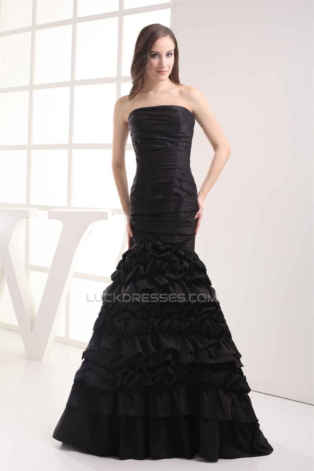 Mermaid/Trumpet Sleeveless Strapless Brush Sweep Train Long Black ...