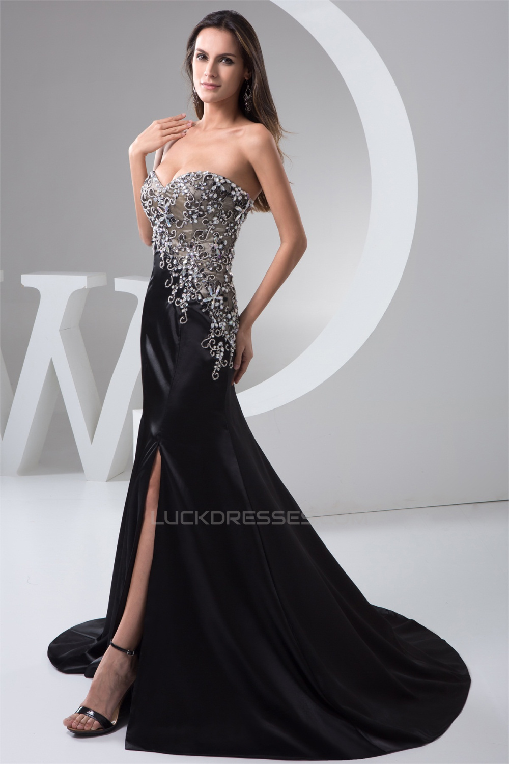 A Line Sweetheart Brush Sweep Train Long Black Prom Formal