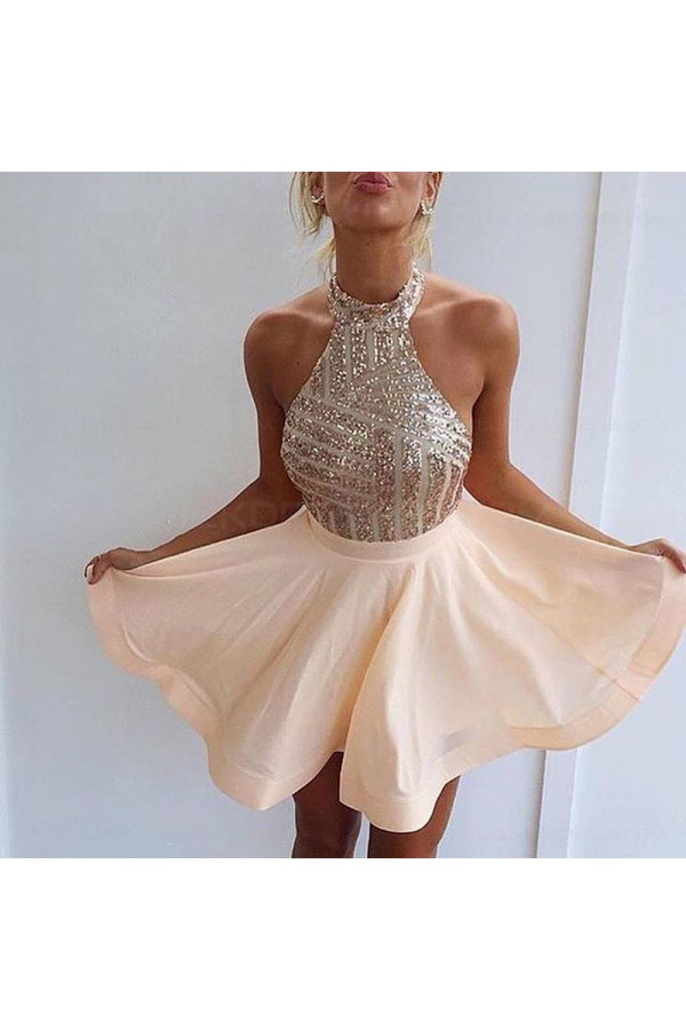 2a1a9ab3e77 Halter Sequins Short Backless Homecoming Cocktail Prom Dresses Evening Gowns  3020204