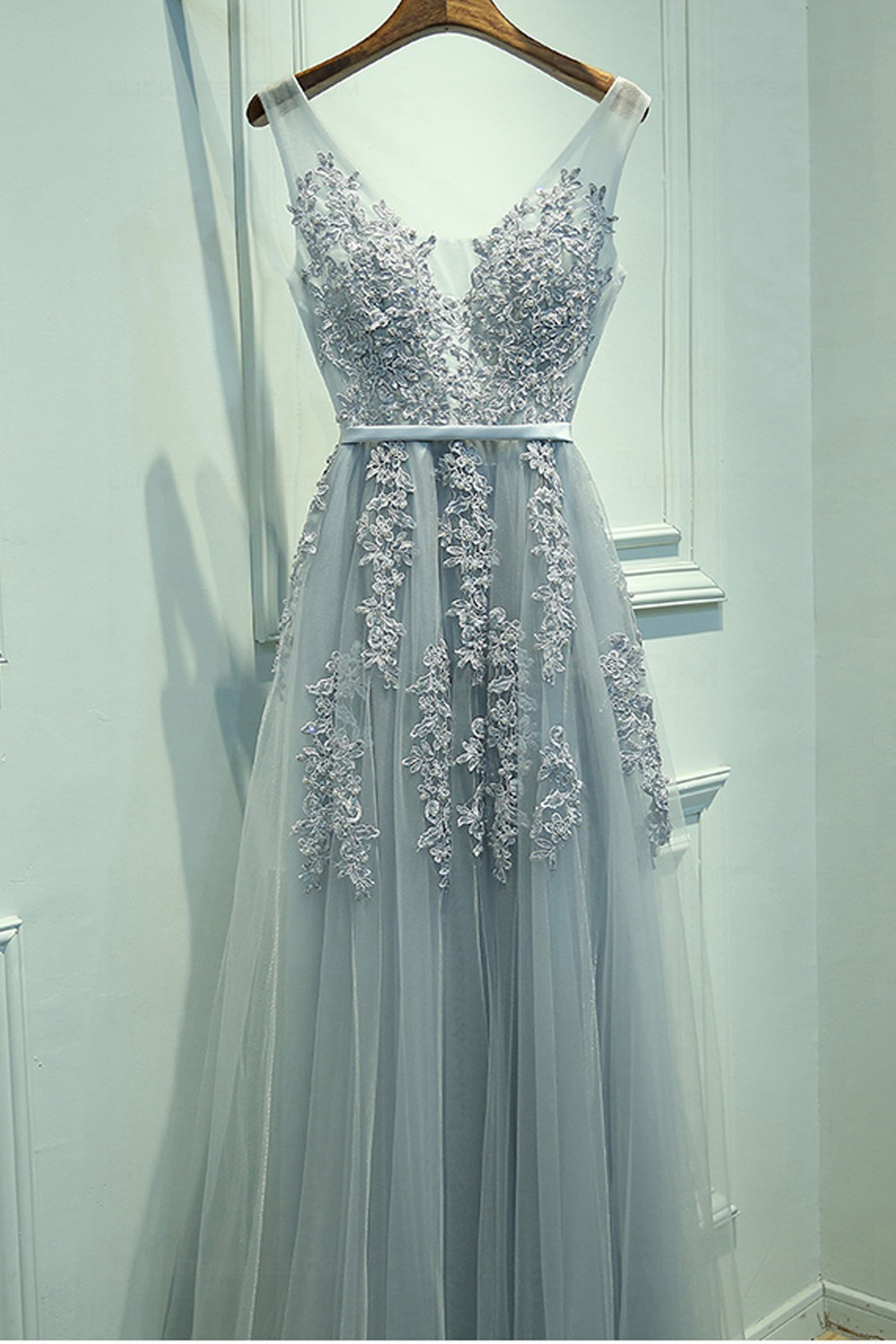Line V-Neck Lace Appliques Tulle Prom Dresses Party Evening Gowns ...