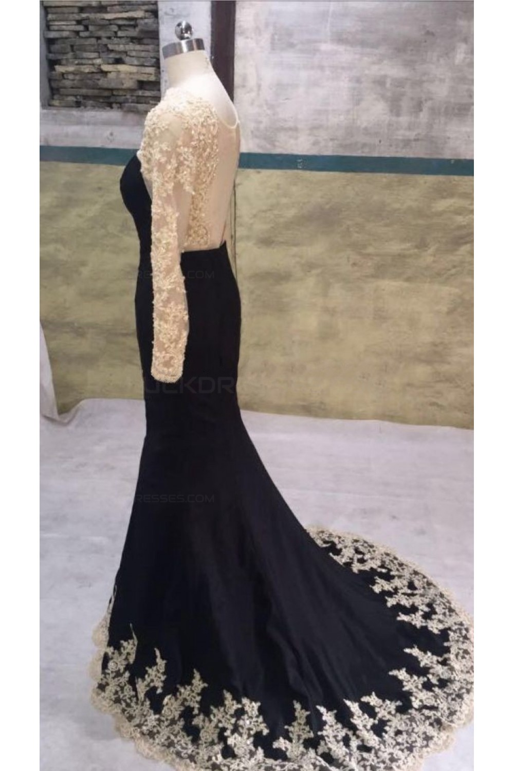 f8b7a060c26 Long Black Mermaid Gold Lace Appliques Long Sleeves Prom Dresses Party  Evening Gowns 3020405