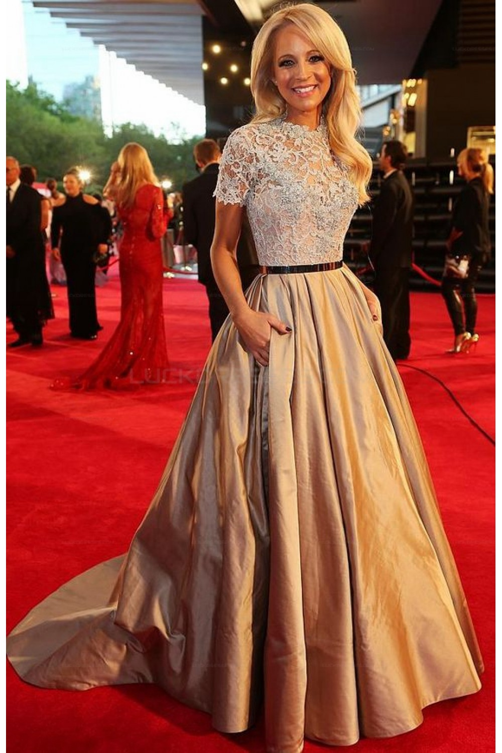 Elegant Short Sleeves Lace Ball Gown Long Prom Evening Party Dresses ...