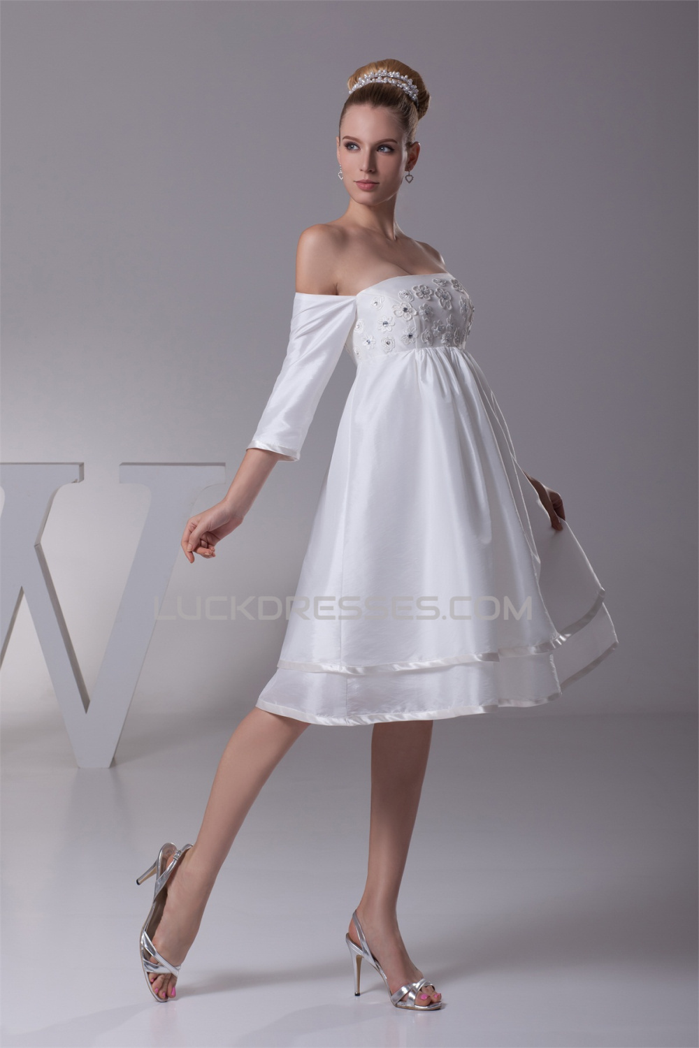 Beautiful Taffeta Square A Line Half Elbow Sleeve Wedding