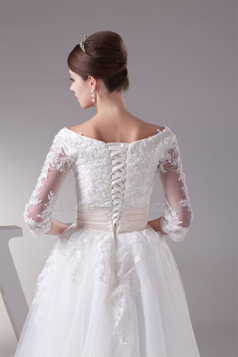 3 4 length sleeve wedding dress satin lace netting scoop a line 3 4 length sleeve 1084