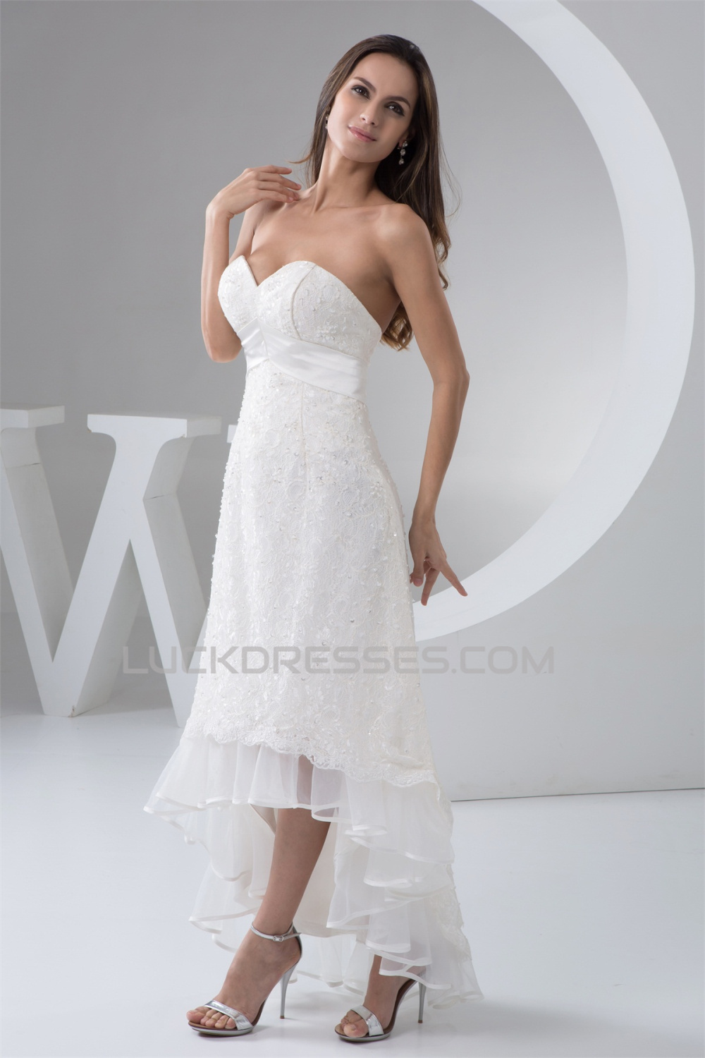 Fantastic a line lace sweetheart sleeveless high low for High low sweetheart wedding dress