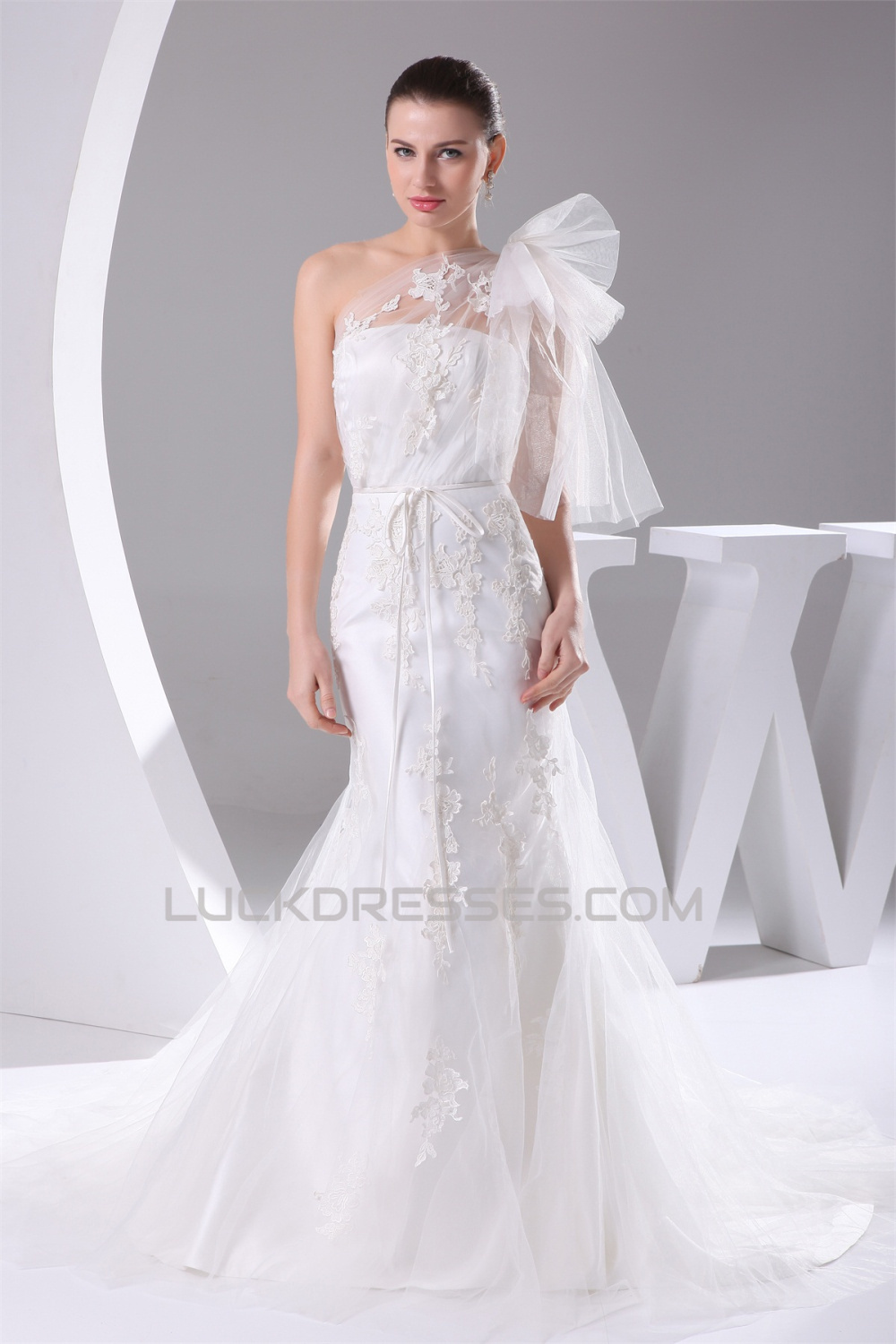 c29ae3a1694 Mermaid/Trumpet Satin Netting Lace One-Shoulder Wedding Dresses ...