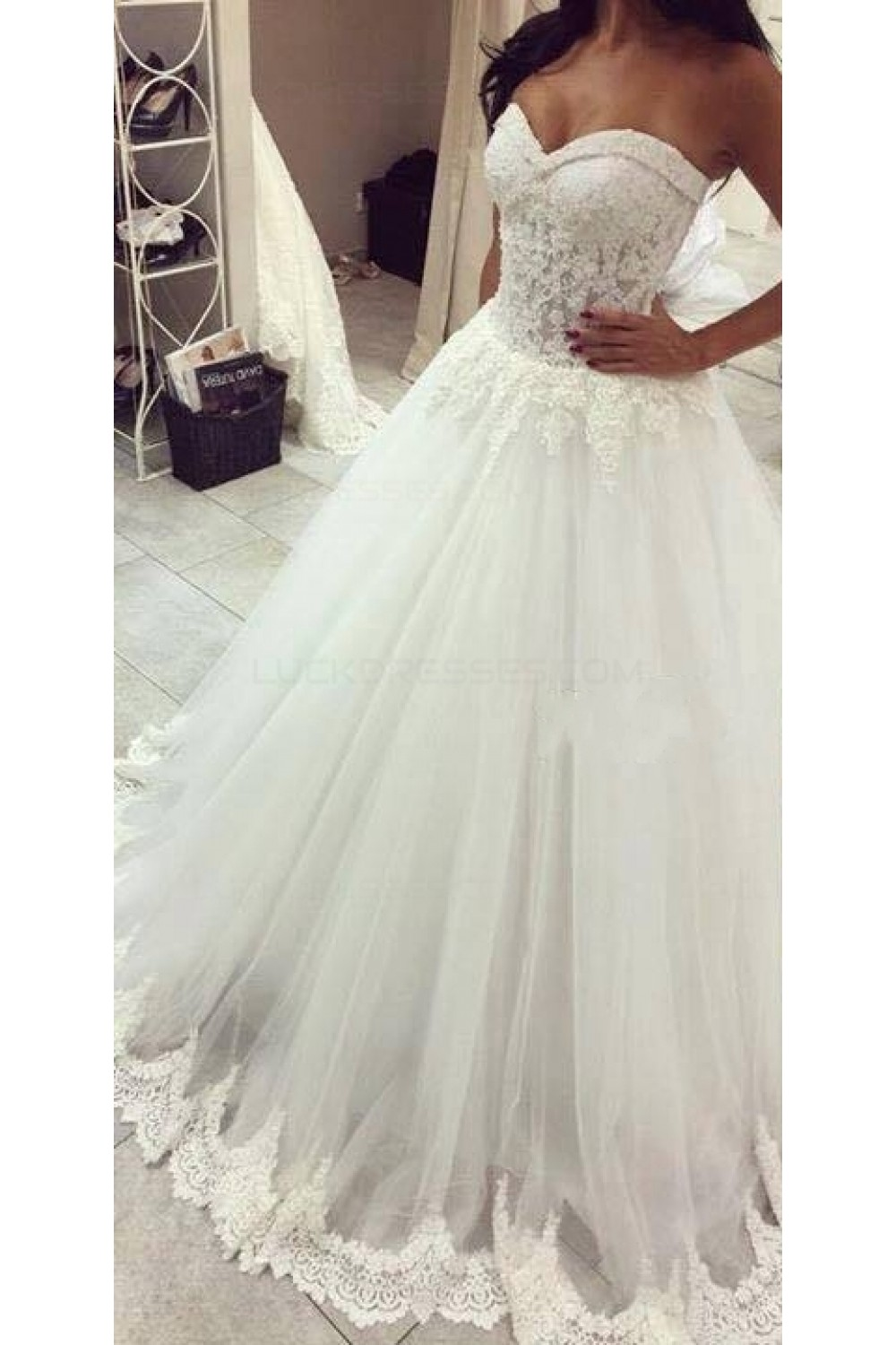 Ball gown sweetheart lace tulle wedding dresses bridal for Ball gown tulle wedding dress