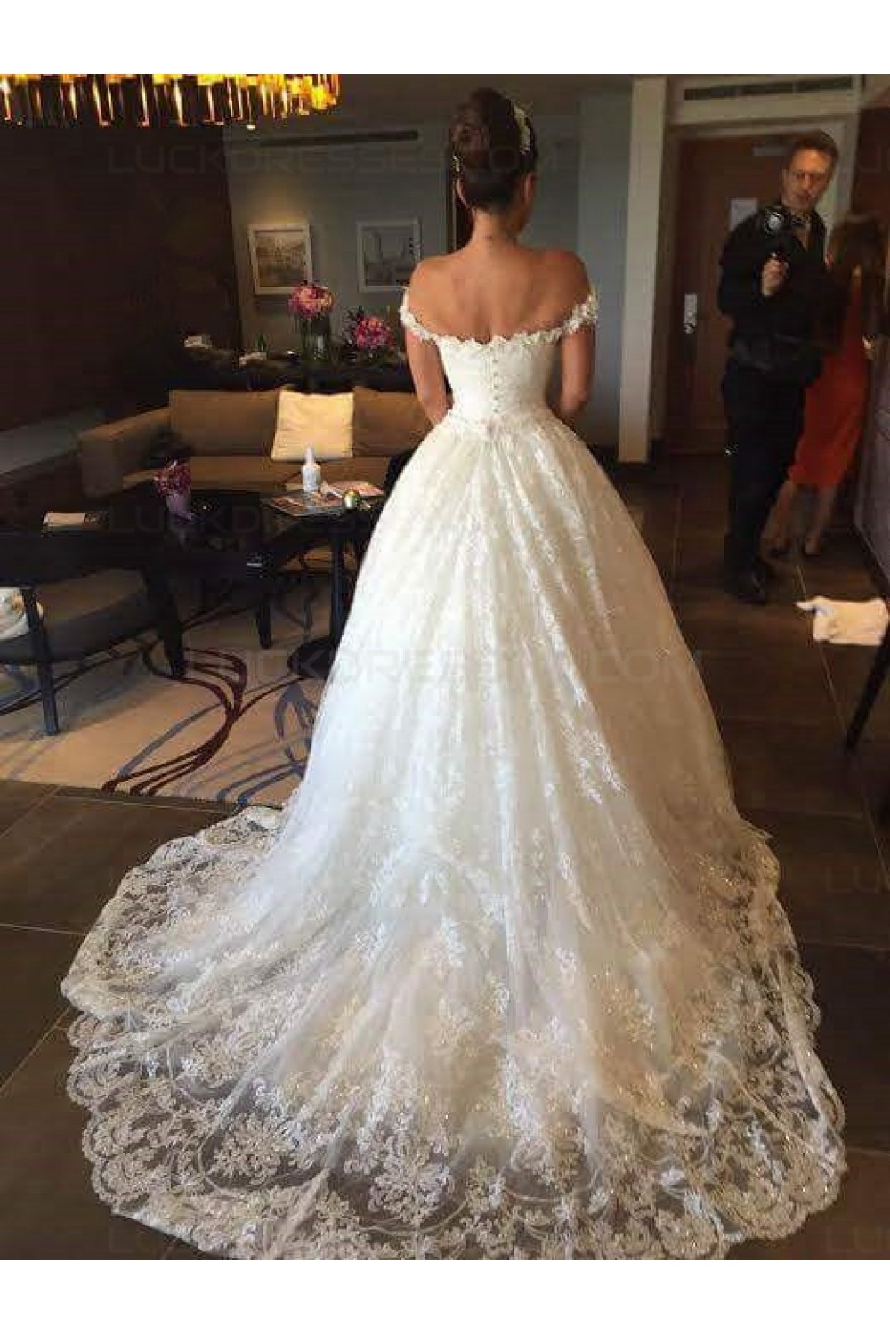 Lace Bridal Ball Gown Off-the-Shoulder Wedding Dresses Bridal Gowns ...