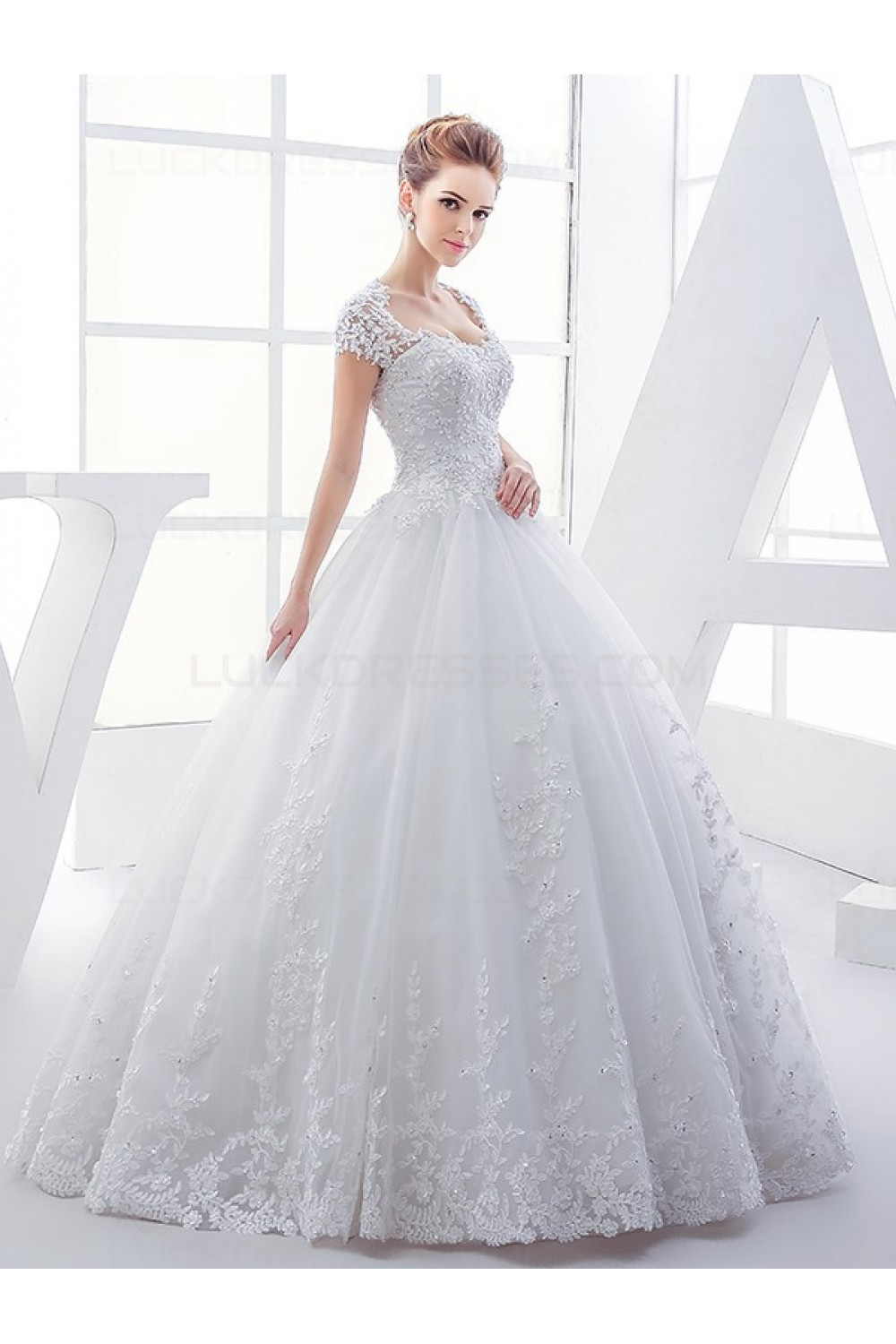 Lace Ball Gown Keyhole Back Sparkly Wedding Dresses Bridal Gowns