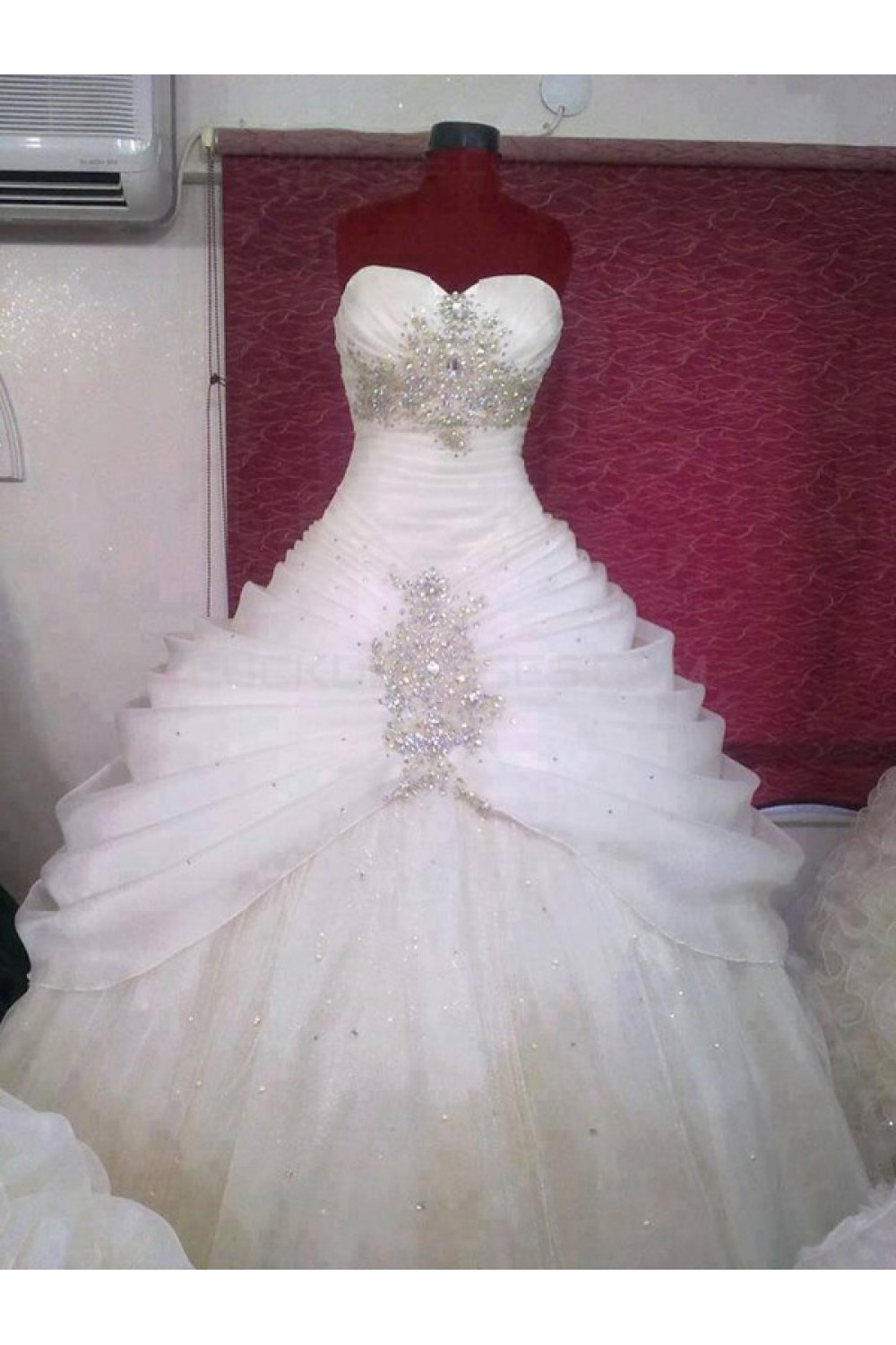 ball gown sweetheart sparkly crystal wedding dresses